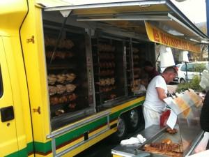 Camión de pollos y asados